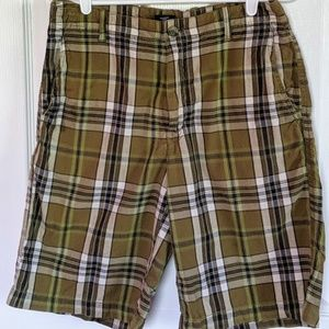 Izod men's green plaid shorts, size 32